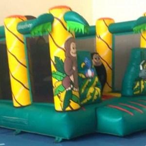 השכרת מתנפח פארק הקופים