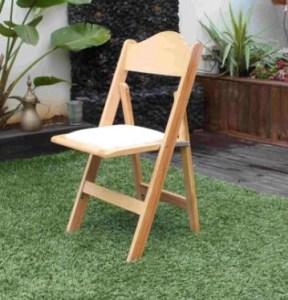 כסא תאילנדי טבעי להשכרה