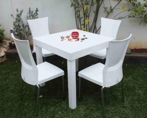שולחן לבן להשכרה 80ָX80