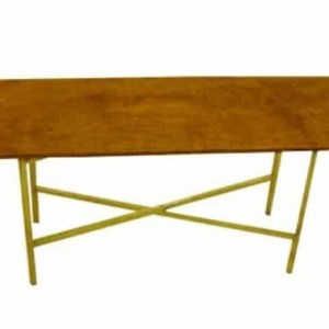 שולחן עץ מלבני להשכרה