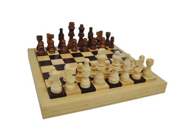 פאזל לוח שח עם כלים - משחקי חשיבה ואסטרטגיה 1
