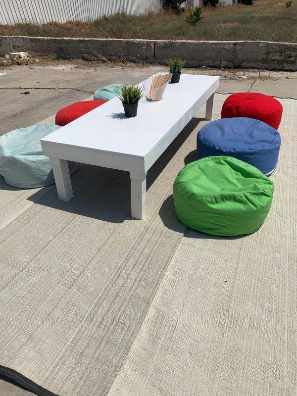 שולחן נמוך להשכרה